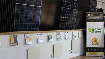 De Solar Store is erkend installateur voor zonnepanelen bij bedrijven en particulieren.