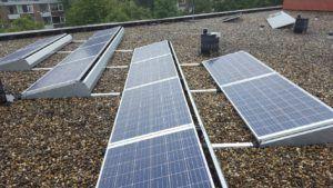 De zonnepanelen van REC wekken zelfs zonne-energie op in slechte weersomstandigheden.