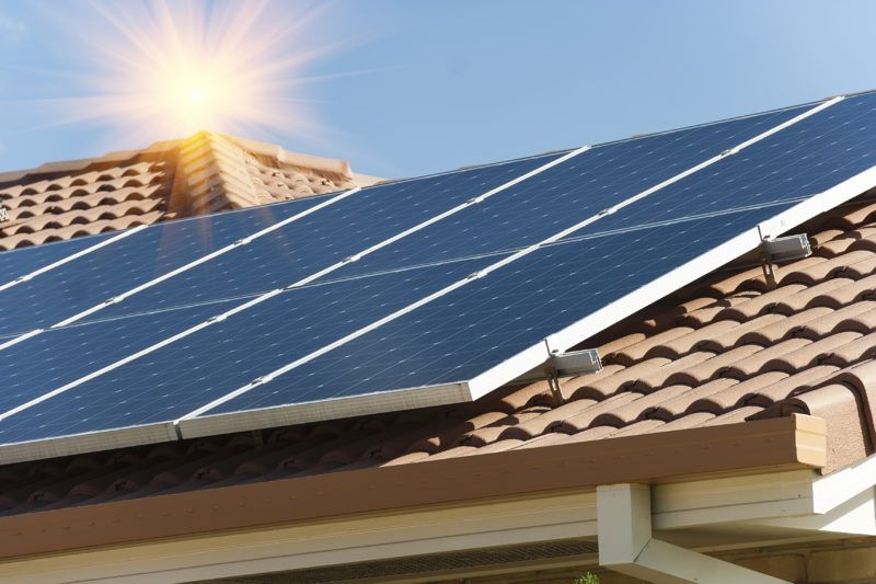 Hoe werkt zonne-energie en wat zijn de voordelen?